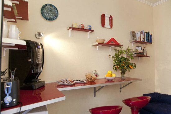 Domus Victoria : Shared Kitchen