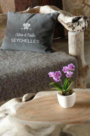 Chateau de Feuilles Restaurant : ambiance feutrée