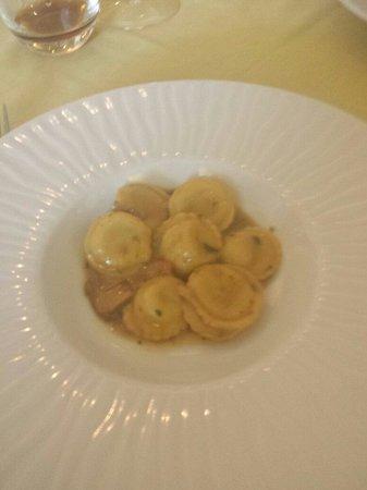 Ristorante Donna Sofia: i ravioli ai funghi porcini con ripieno di crema di tartufo