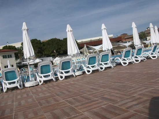 Paloma Oceana Resort: lower pool