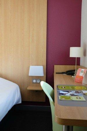 B&B Hotel La Rochelle Centre : chambre 1-2 pers.