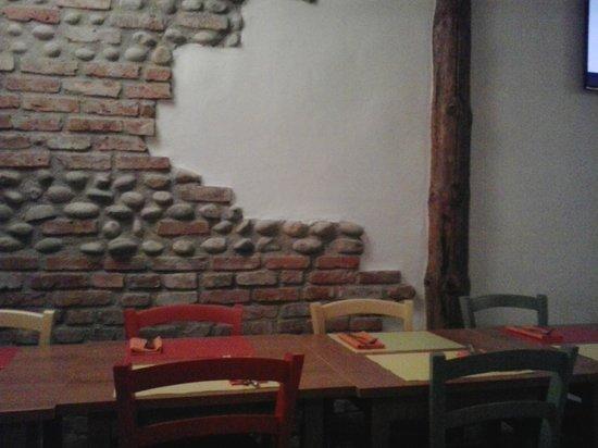 Iltulipanonero pub: Un angolo della sala