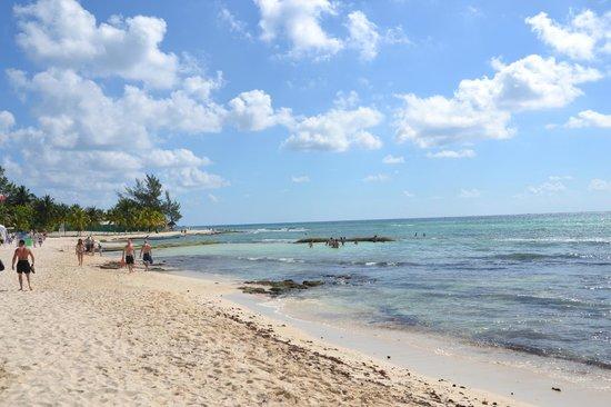 Sandos Caracol Eco Resort: des rochers mais une eau turquoise