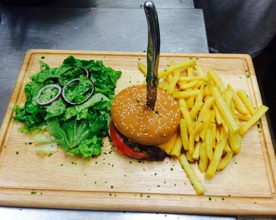 Le Café Suisse : Cheeseburger