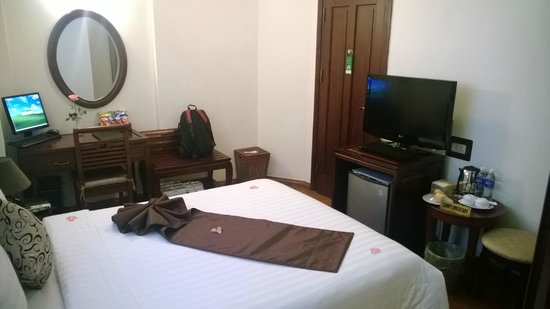 Hanoi Charming 2 Hotel: Room (view from inside)