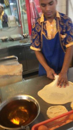 Pelita Nasi Kandar: Making roti canai