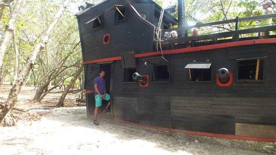 Morgan's Cave : barco