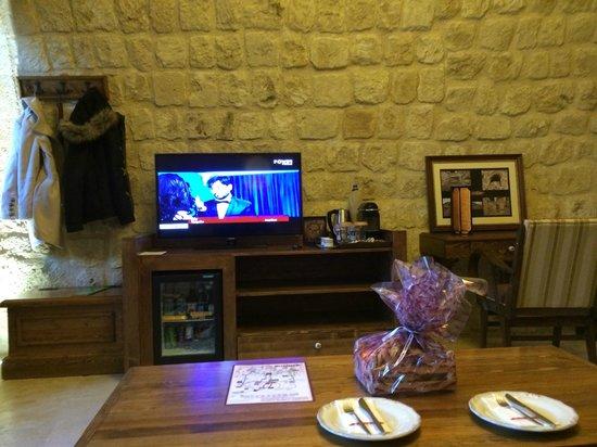 Kayakapi Premium Caves - Cappadocia: Standart oda TV