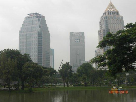 Buildings around Lumpini Park