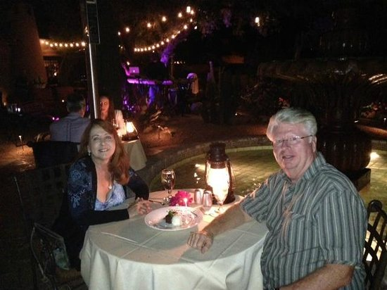 Lon's at the Hermosa: Dinner by the fountain