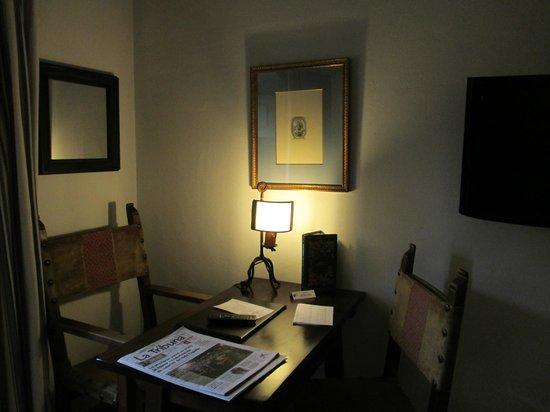 Parador de Almagro: Se acaba de levantar de escribir Cervantes?