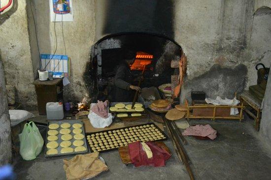 ClubHotel Riu Tikida Palmeraie : the bread shop in the souks