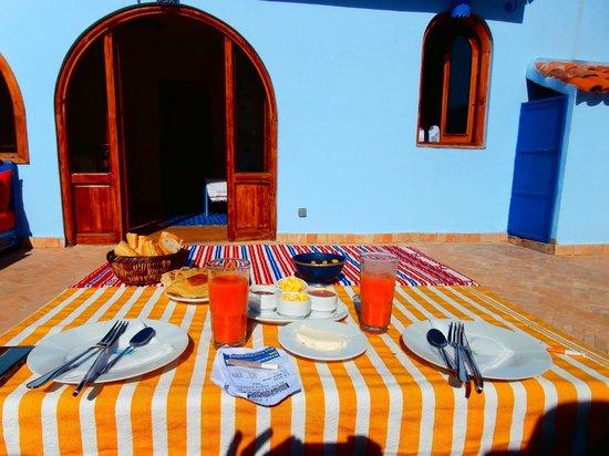 Dar Zambra : Colazione in terrazza