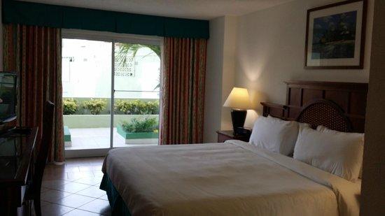 Sonesta Great Bay Beach Resort, Casino & Spa : Room