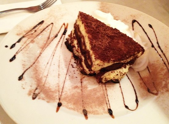 Chicago Style Pizza Shack: Tiramisu: Big enough to share.
