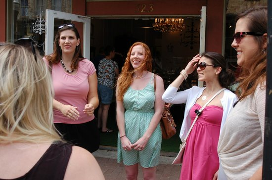 'Tiques: Savannah's Boutique Shopping Experience: Fun from the very start of the tour!