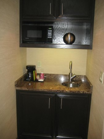 The Belvedere: kitchenette