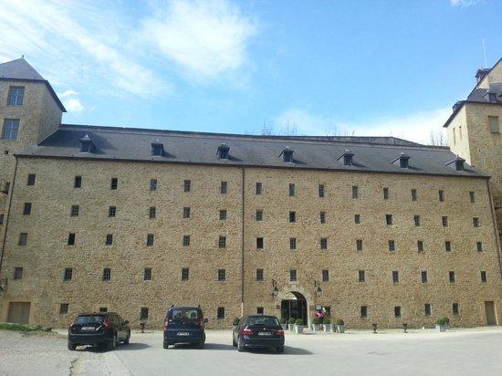 Hotellerie Le Chateau Fort : La partie aménagée du château