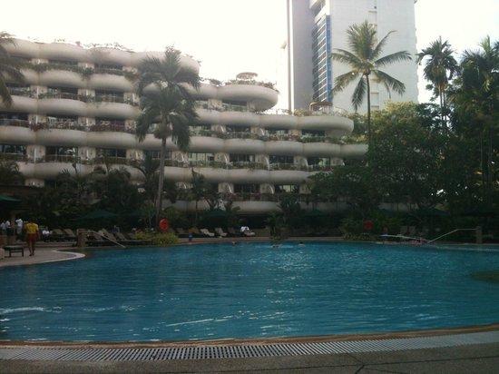 Shangri-La Hotel, Singapore : Piscine