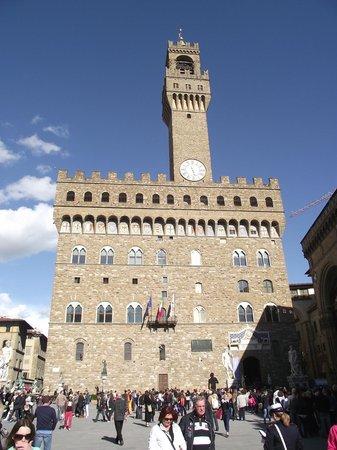 Piazza della Signoria : Palazzo Vecchio construído em 1315.