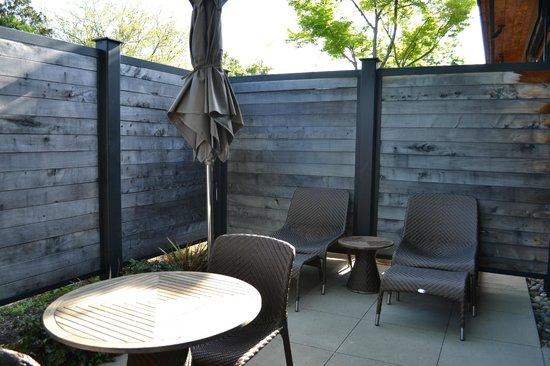 Bardessono: outdoor patio