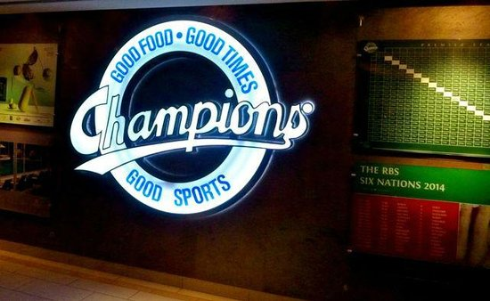 Marriott Marquis City Center Doha Hotel: Champions Bar