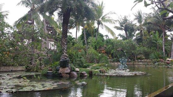 Padma Resort Legian : Garden