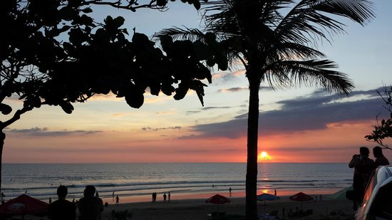 Padma Resort Legian : Sunset Kuta Beach