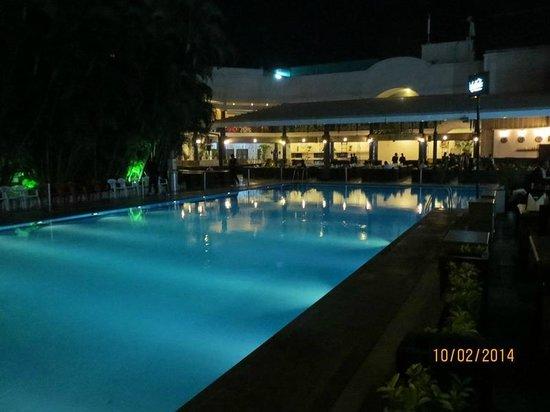Kebabsville : Swimming pool view