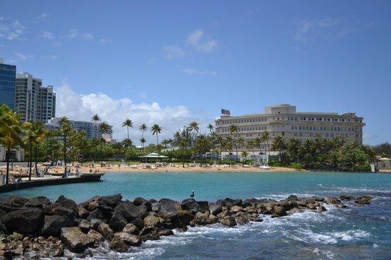 Condado Lagoon Villas at Caribe Hilton: View of private beach