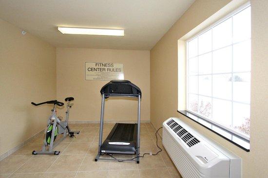 Cobblestone Hotel & Suites : Fitness/Laundry