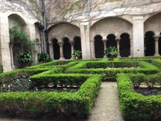 Saint-Paul de Mausole : Внутренний двор
