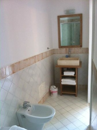 B&B Adriana e Piermario : dettaglio lavabo