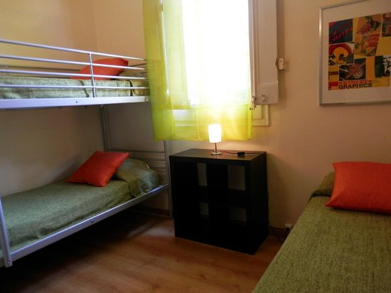 Barcelona Central Garden Hostel: 3-person-dorm