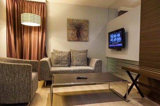 S Sukhumvit Suites Hotel : img