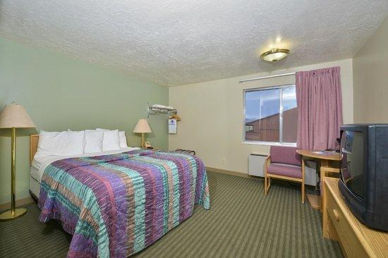 Red Ledges Inn: Standard Queen room