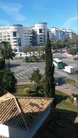 PYR Marbella Hotel: View from My friends room Non pool facing