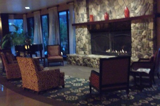 Spirit Mountain Casino Lodge : Hotel Lobby