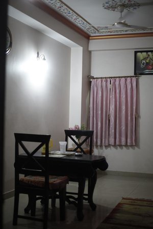 Hotel Moon Light Palace: Room