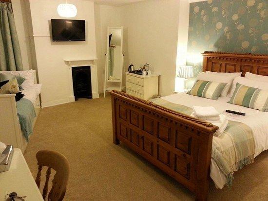 The Royal Oak Hotel: Lovely room