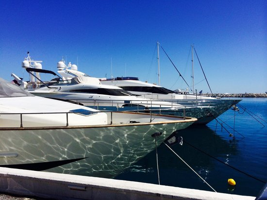 PYR Marbella Hotel: Marina