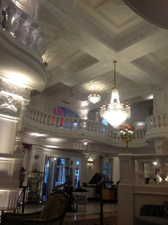 St. Ermin's Hotel, Autograph Collection : Another angle.