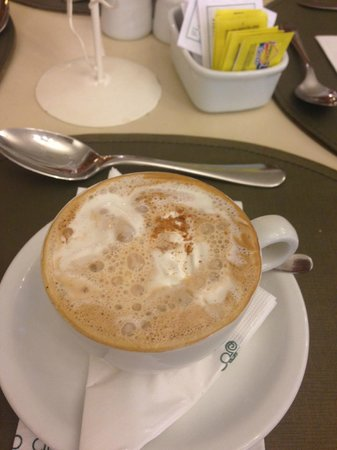 Bourbon Cataratas Convention & Spa Resort : Delicious cappuchino!