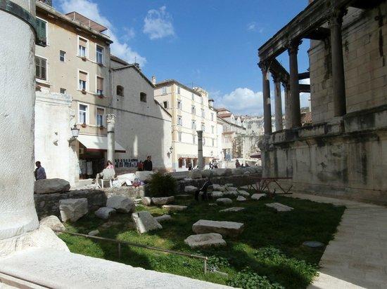 Palais de Dioclétien : Ruins