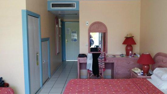 Canella Beach Hotel-Restaurant : dans la chambre