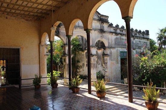 Hacienda Yaxcopoil : view from veranda