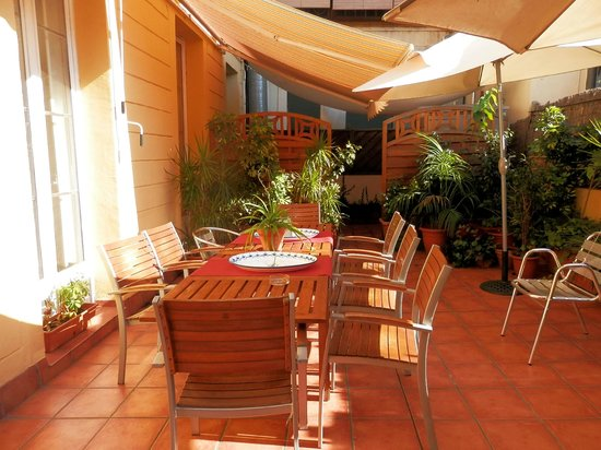 Barcelona Central Garden Hostel Prices Reviews Catalonia