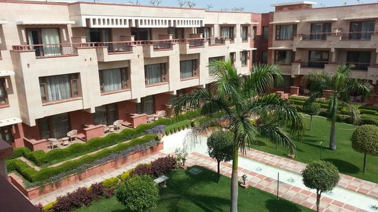 Jaypee Palace Hotel & Convention Centre Agra: View from our room