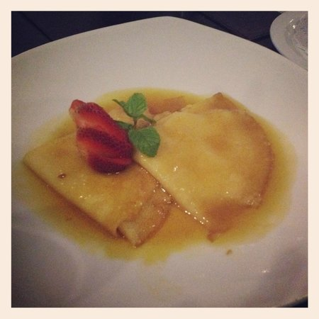 Azul Restaurant: Crepes Suzette…just like in France!!