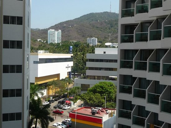 Copacabana Beach Hotel: View of the town from the room